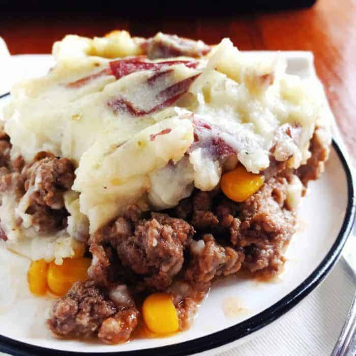Country Meat And Mashed Potatoes Casserole