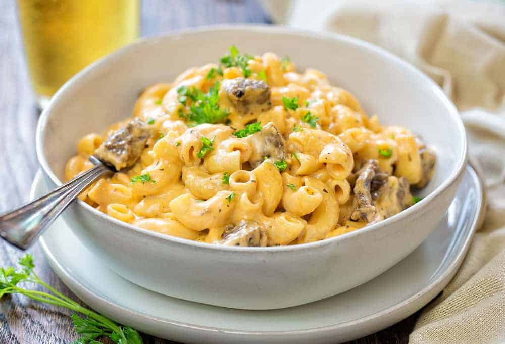 Beer mac and cheese with steak bites
