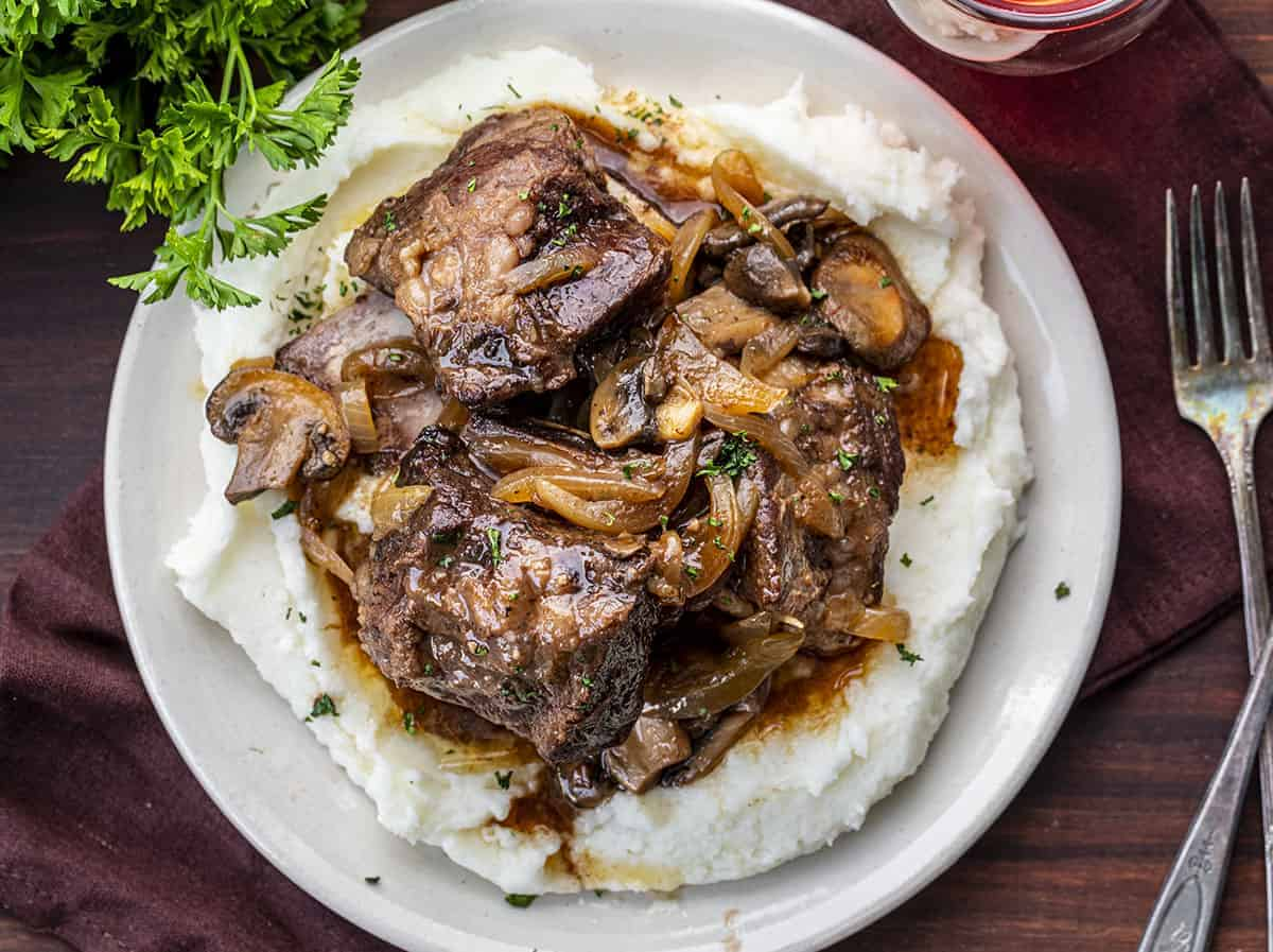 Overhead View of a Plate of Crockpot Braised Short Ribs
